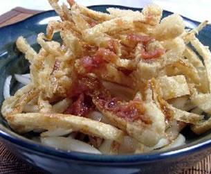 新玉ねぎとカリカリ油揚げのサラダ