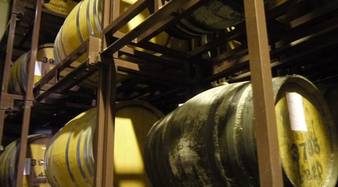 【お蔵探訪記】篠崎 ~その2.樫樽の技術が生んだ「朝倉」に込めた想い~